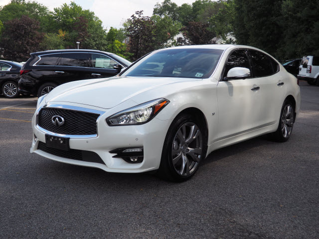 Certified Pre-Owned 2016 INFINITI Q70 SPORT AWD