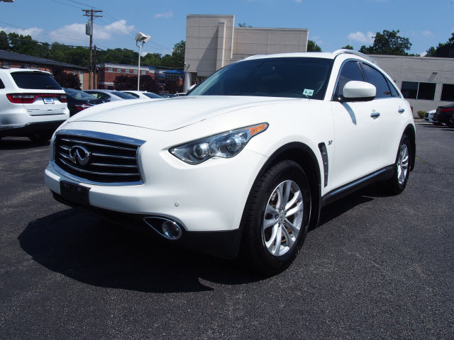 Certified Pre-Owned 2016 INFINITI QX70 AWD 4DR